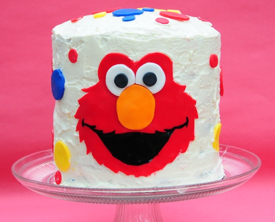 elmocake 1 Elmo Birthday Cake With a Rainbow Cake Surprise Inside